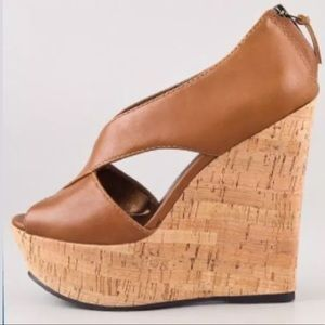 NIB Pelle Moda Ivy Criss Cross Cork Wedge Platform